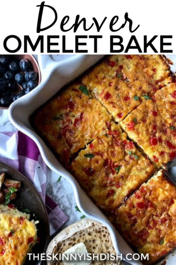 A delicious oven-baked egg casserole recipe packed with peppers, onions, ham and cheese. Perfect for a satisfying, healthy and delicious breakfast! #denveromelet #breakfastcasserole #ww